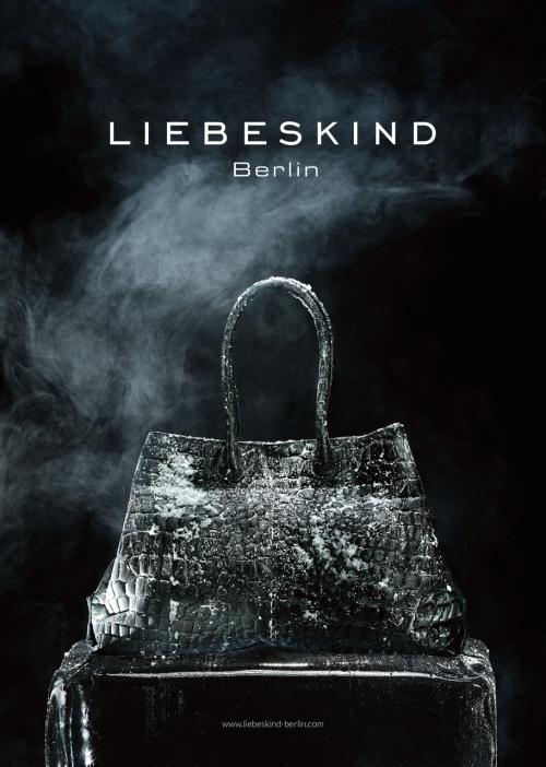 Liebeskind-Berlin-Anzeige-Tasche-Eis-Weihnachten